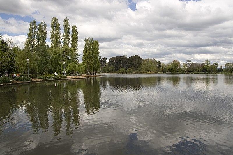 File:Parkes ACT 2600, Australia - panoramio (19).jpg