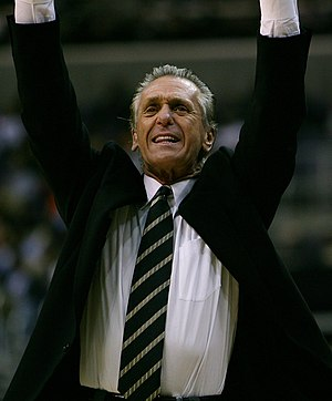 English: Pat Riley trying to get his players' ...