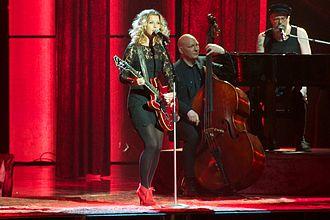 Pernilla Andersson - Image: Pernilla Andersson at Melodifestivalen 2011