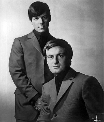 Allen (seated) and Chris Bell as the Allen Brothers, 1967 Peter Allen and Chris Bell The Allen Brothers 1967.JPG