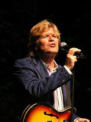 Peter Noone - Noone, performing live June 2007.