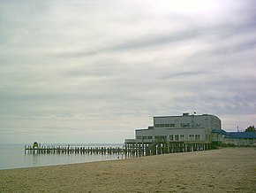 Pier at Colonial Beach.jpg