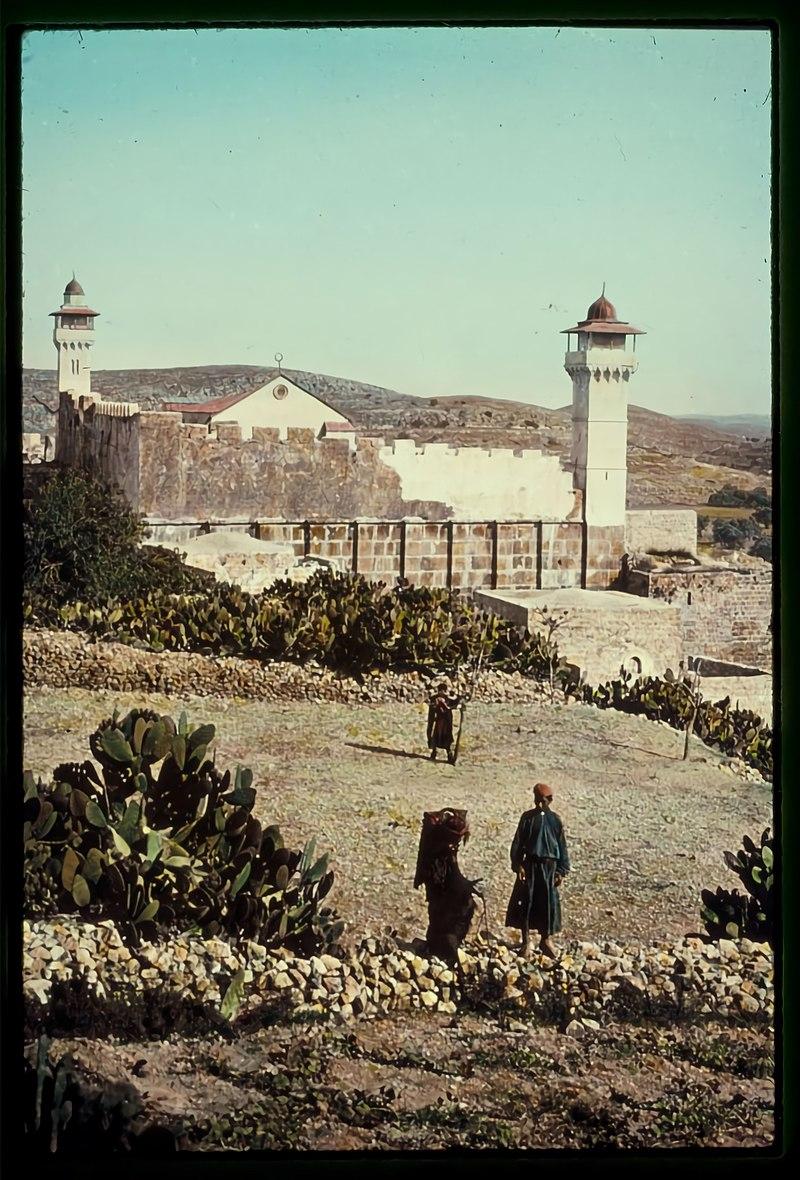 המסגד מעל למערת המכפלה בחברון