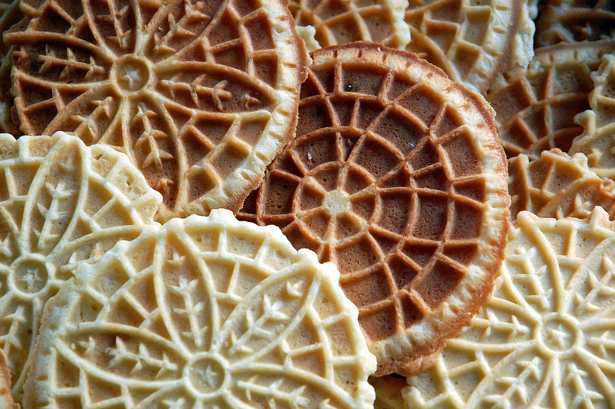 Pizzelle in a loose stack, April 2010.jpg