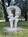 Pole Mokotowskie (Ochota) - rzeźba - 03.jpg