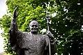 Pomnik Jana Pawła II w Kielcach.jpg