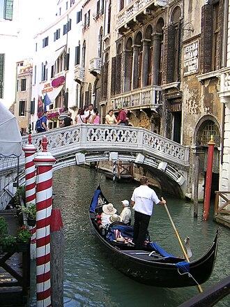 Pauly & C. – Compagnia Venezia Murano - Ponte dei Consorzi, front entry of Palazzo Cappello Trevisan in Venice.