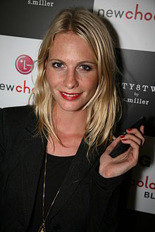 Poppy Delevingne at Twenty8Twelve, September 2009.jpg