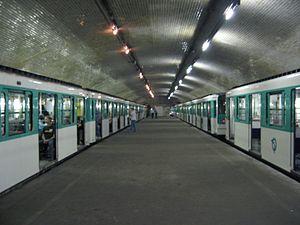 Porte Molitor (Paris Métro) - Image: Porte Molitor 2