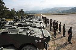 المدافع الفاسدة التى أشترها الجيش المصرى  250px-Presentation_of_Svarun_8x8