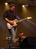 Provinssirock 20130616 - Samae Koskisen Ekstravahva korvalääke - 03.jpg