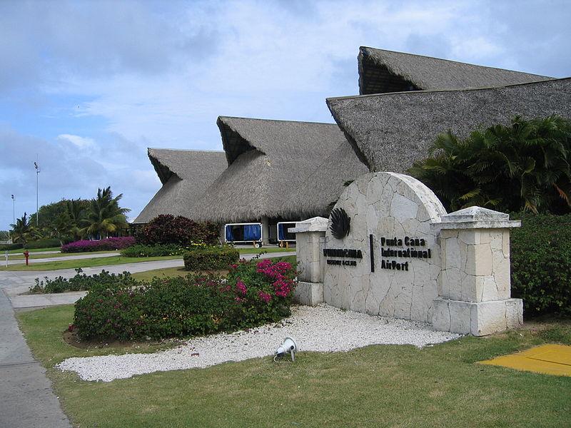 File:Punta Cana, International Airport 021.jpg