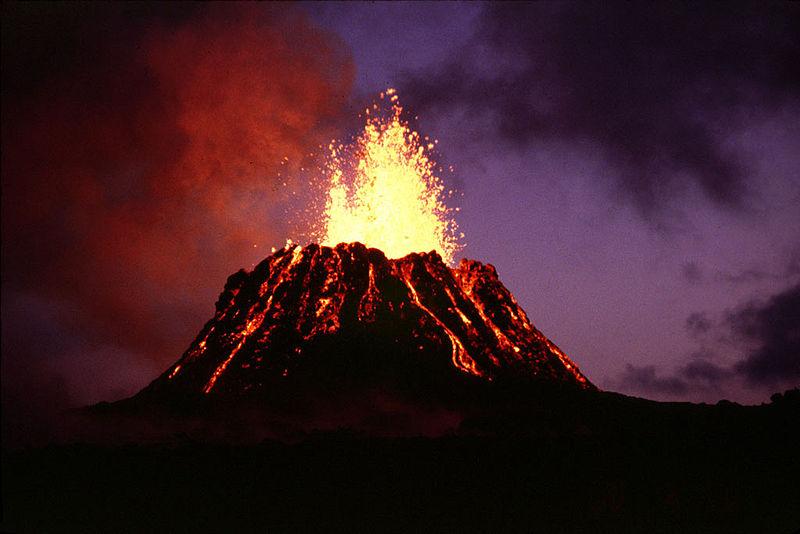 Resultado de imaxes para tipos de erupciones volcanicas hawaiana