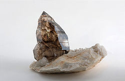 Quartz var. Smokey from Morella, Victoria.jpg