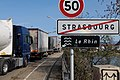 Queue in front of border control checkpoint at Europe bridge German side 2020-03-16 17.jpg