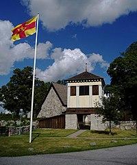 Rö kyrka 110813.jpg