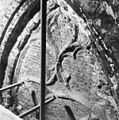 Raamtracering in koor (voor restauratie ) - 's-Gravenhage - 20085311 - RCE.jpg