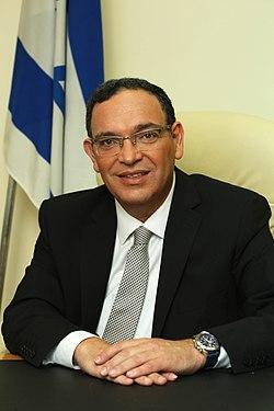 RabbiShaiPironPortrait-2.jpg