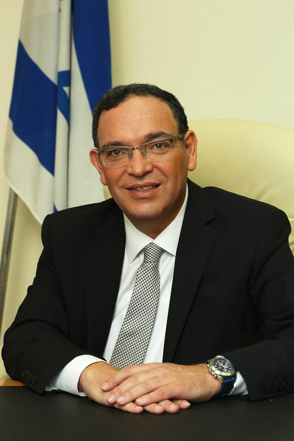 RabbiShaiPironPortrait-2