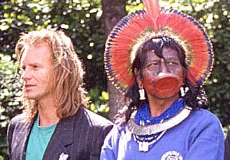 Rainforest Foundation Fund - The Chief Raoni and Sting in 1989, in Paris.