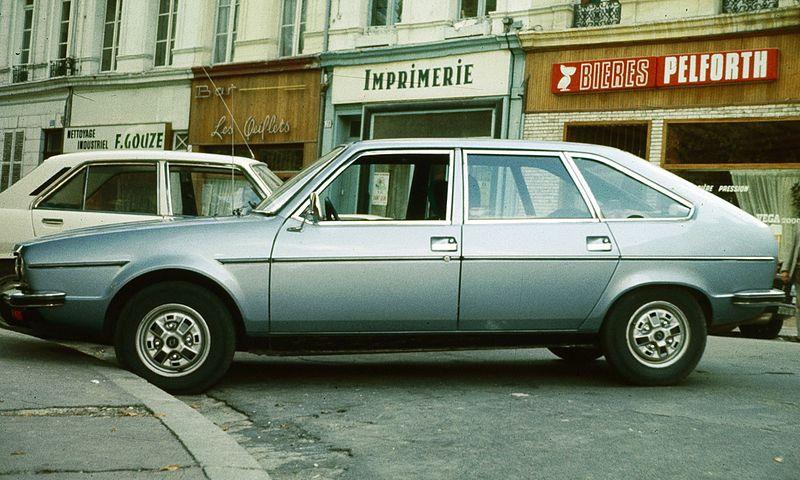 Les 15/17 et le design. - Page 6 800px-Renault_30_Amiens
