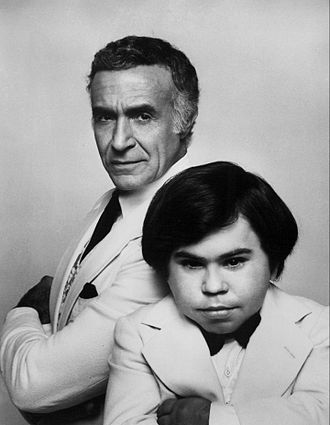 Ricardo Montalbán - Ricardo Montalbán as Mr. Roarke and Hervé Villechaize as Tattoo in a publicity still for the television movie Return to Fantasy Island