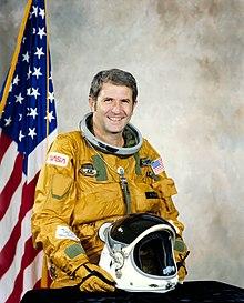 Richard H. Retrato de astronauta verdaderamente oficial.jpg