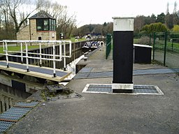 River Don lock at Sprotbrough, South Yorkshire.jpg