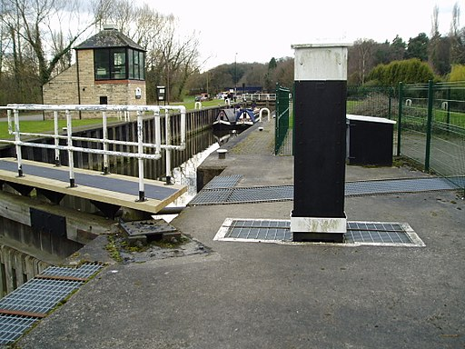 River Don lock at Sprotbrough, South Yorkshire