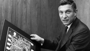 Robert Noyce - Image: Robert Noyce with Motherboard 1959