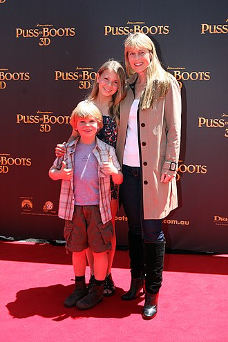 Terri Irwin - Irwin with daughter Bindi and son Robert, 2011