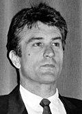Черно-белое фото Роберта Де Ниро на Американском кинофестивале в Довиле в 1988 году.