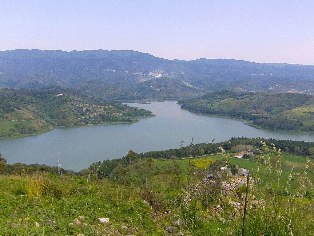 File rocca angitola vista del wikipedia for Lago vista