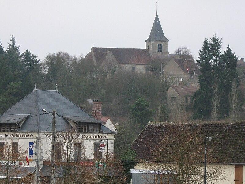 Rogny-les-Sept-Écluses; l'église vue depuis le sud-sud-ouest.