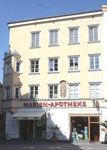datei rosenheim haus max josefs platz 21 marien apotheke jpg wikipedia. Black Bedroom Furniture Sets. Home Design Ideas