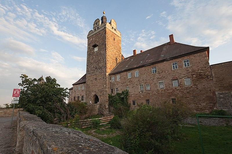 File:Südharzreise 17 – Burg und Schloss Allstedt.jpg