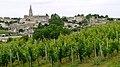 Saint-Émilion, le village entouré de vignobles (8224549501).jpg