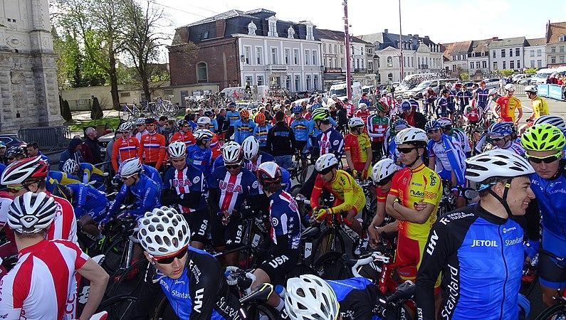 Saint-Amand-les-Eaux - Paris-Roubaix juniors, 10 avril 2016, départ (C20).JPG
