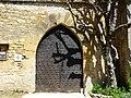 Saint-Geniès château portail.JPG
