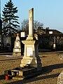 Saint-Pierre-d'Exideuil cimetière colonne.JPG