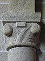 Saint-Sauveur-des-Landes (35) Église - Intérieur - Chapiteau - 02.jpg