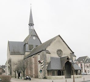 Salbris église Saint-Georges 3.jpg