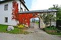 Sankt Veit an der Glan Niederdorf Schloss Tor 14102010 07.jpg