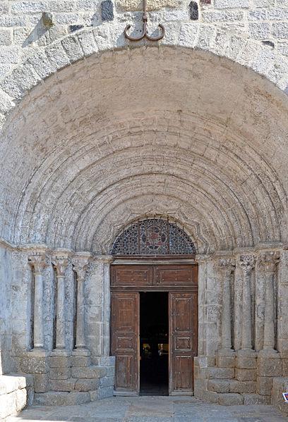 File:Saugues-Eglise-dpt-Haute-Loire--DSC 0418.jpg