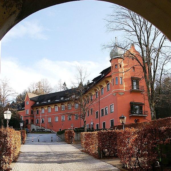 File:SchlossHofen5.JPG