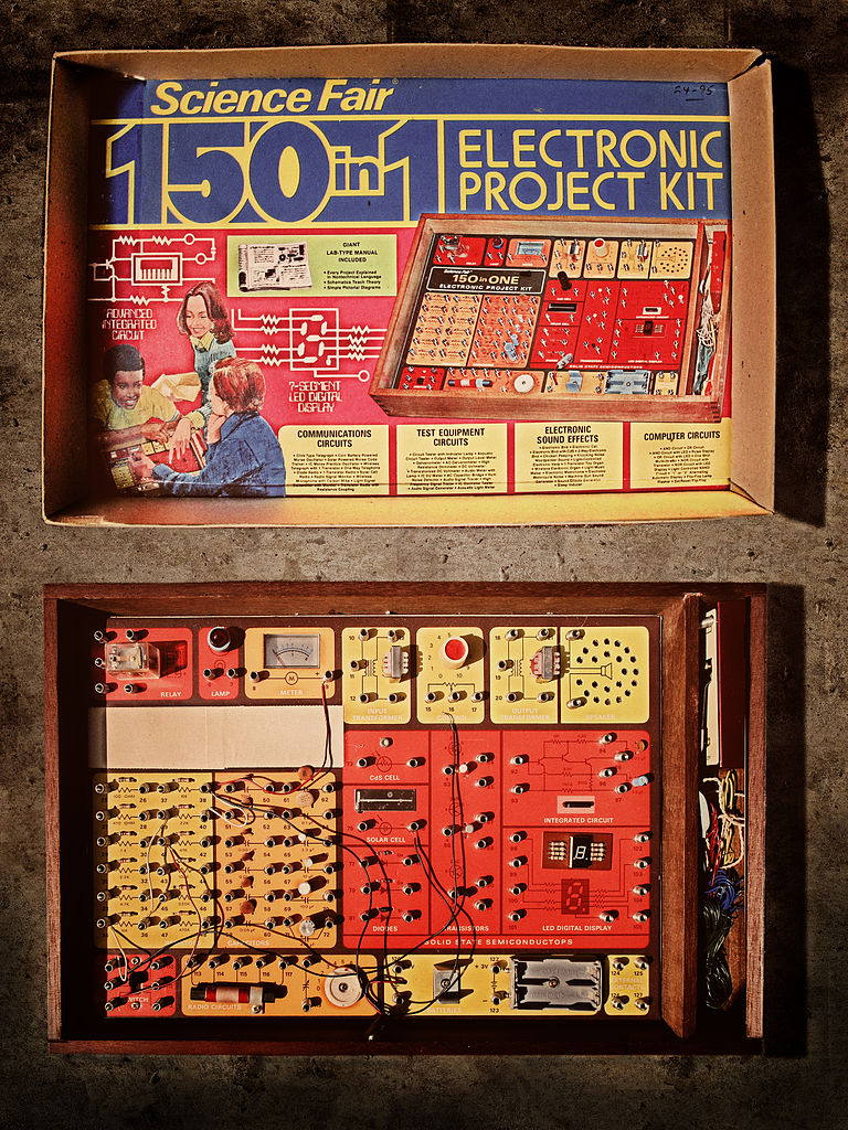 Filescience Fair 150in1 Electronic Project Kit Wikimedia Commons Sound Effects Generator Circuit