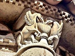 Sculpture du chevet de Notre-Dame-du-Port. (3)