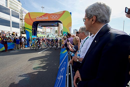 Secretary Kerry Watches the Start of the Men's Cycling Race at the 2016 Summer Olympics (28804079725).jpg