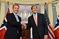 Secretary Kerry and Norwegian Foreign Minister Brende Shake Hands After Addressing Reporters (16653836141).jpg