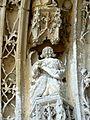 Serans (60), église Saint-Denis, portail, ange musicien de l'archivolte 1.jpg